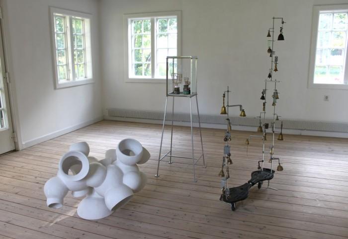 Værker af Karin Lorentzen, Jørgen Carlo Larsen og Heine Kjærgaard Klausen.